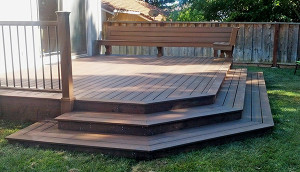 Tiered deck outside of sliding door